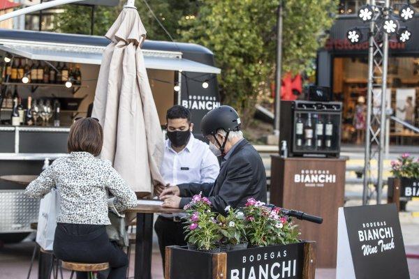 "Continúa el ""Wine Truck Bodegas Bianchi Experience"" en Distrito Arcos"