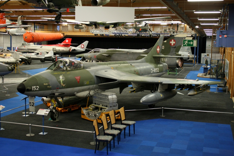 Swiss Air Force Centre: Hunters of the Alps