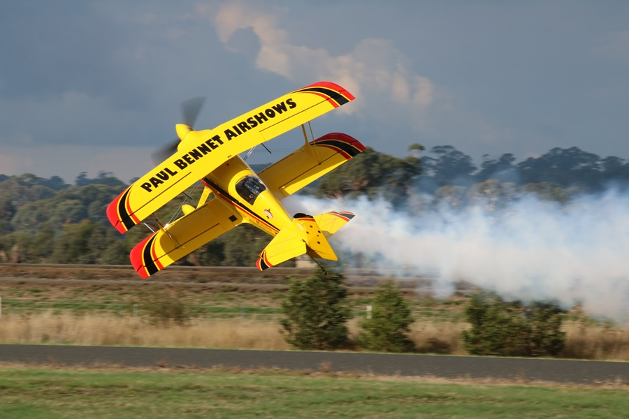 Kyneton Air Show 2017 – Part I: Aerobatic Displays