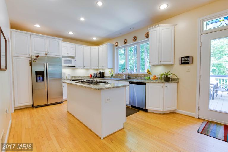 12712 Melville Lane, Fairfax, VA - Updated Kitchen