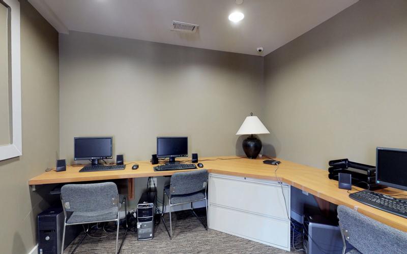 ParcReston Condo - Computer Room