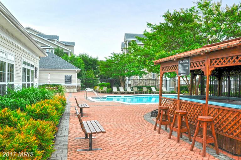 Westchester at Stratford Community Pool