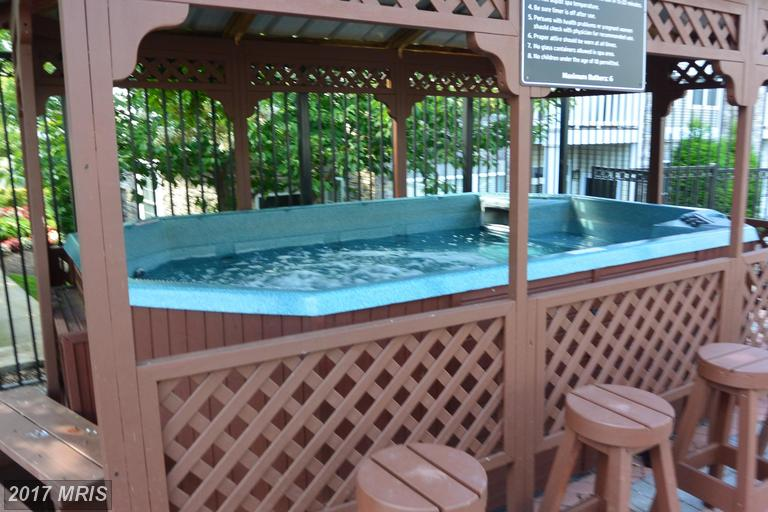 Westchester at Stratford - Hot Tub Community