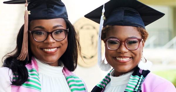 1621178724-jordyn_morgan_jackson_twin_sisters_graduate_college_together.jpg