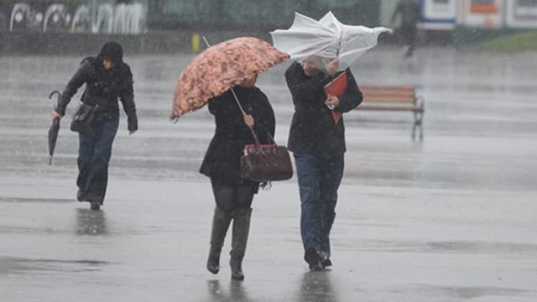 نشرة إنذارية. أمطار رعدية محليا قوية بعدد من أقاليم المملكة