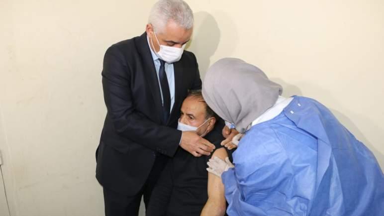 """الصحة العالمية: المغرب من بين البلدان التي حققت الهدف العالمي للتلقيح ضد """"كوفيد 19"""""""