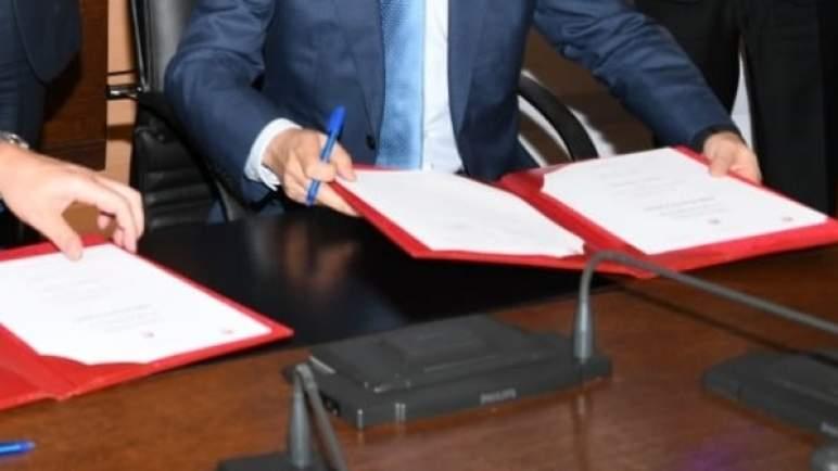 (كوفيد-19)/تموين الحفلات.. اتفاقية شراكة بين الفدرالية المغربية لمموني الحفلات وجامعة الغرف المغربية للتجارة والصناعة والخدمات