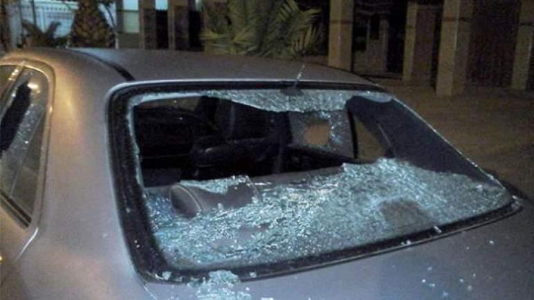 إعادة تمثيل أحداث تخريب السيارات باستعمال السيوف .. الأمن يقبض على عناصر من عصابة حي السوارت