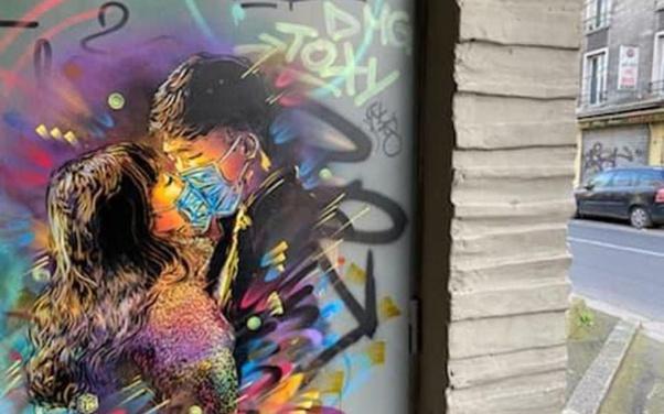 Street Art Covid et Immobilier Coronavirus acheter en Espagne 001