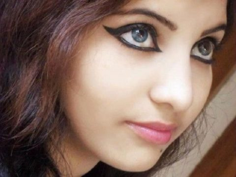 कैसे बनाएँ खुद को अधिक खूबसूरत | Sundar Kaise Dikhe- Aakarshak Kaise Bane