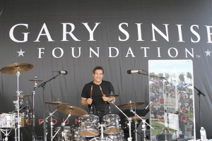 Danny Gottlieb playing drums