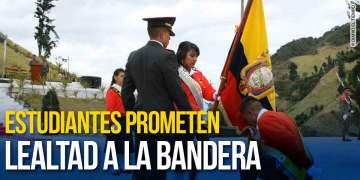 Estudiantes prometen lealtad a la Bandera