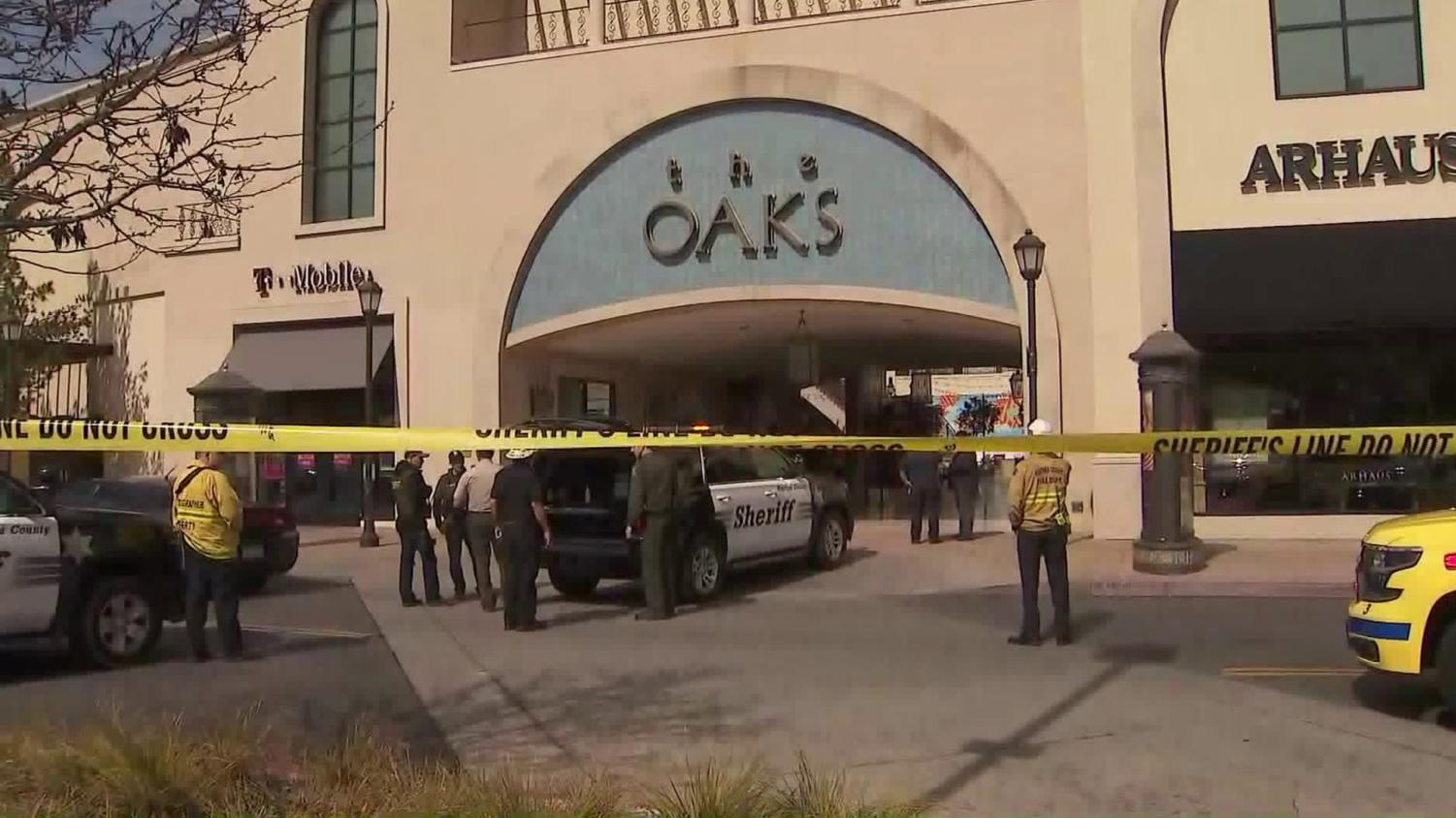 Police responding to the scene at The Oaks Mall in Thousand Oaks. Photo taken from OnScene.TV