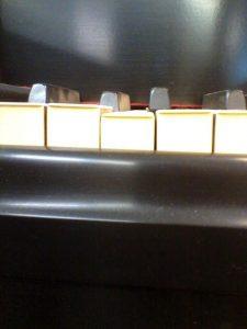 unlevel piano keys