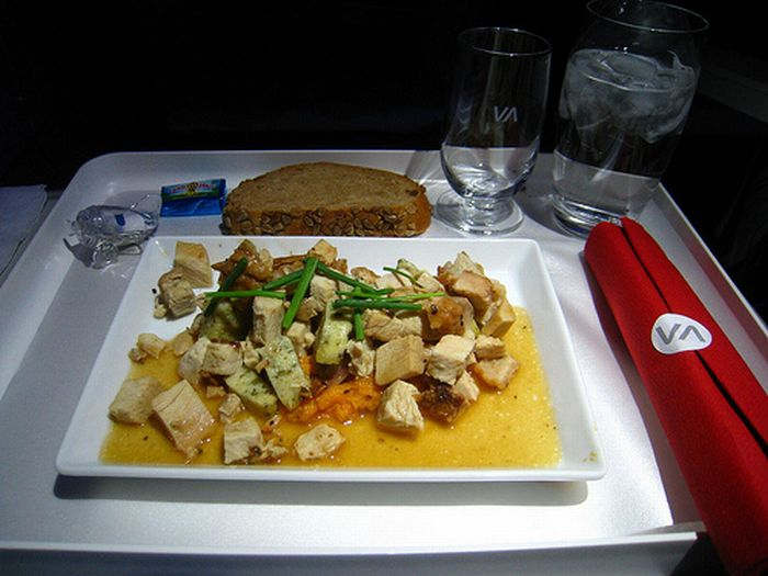 Meals Served in First Class (30 pics)
