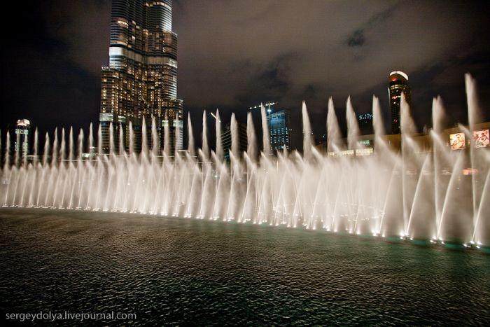 Fountains show in Dubai (14 pics)