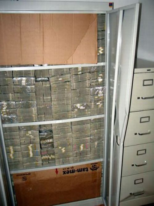 Millions of Dollars (26 pics)