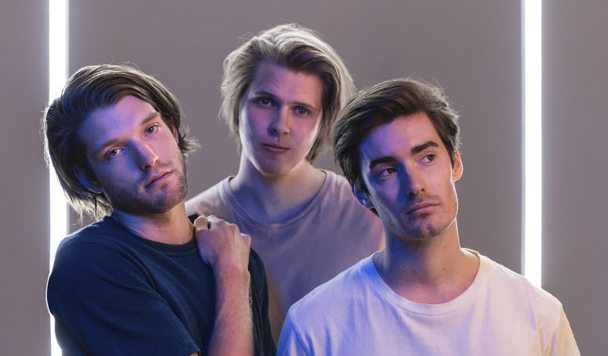Mansionair – 'Astronaut (Something About Your Love)'