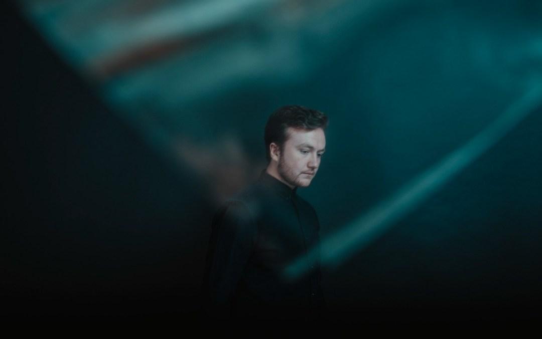 Shadient – 'Dancing Alone Again' (feat. fknsyd)