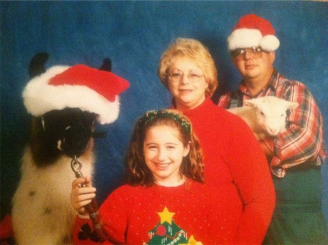 The-21-Most-Awkward-Family-Photos05
