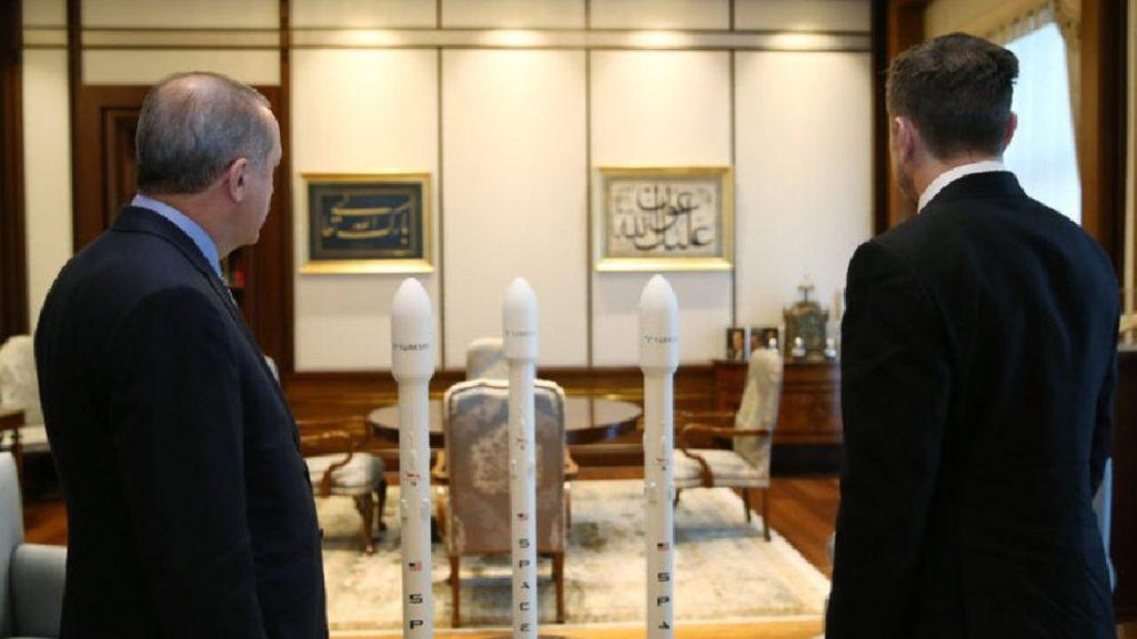 Erdoğan ve Elon Mask uzayı konuştu!