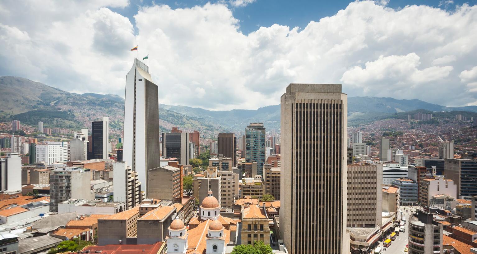 Año Colombia México