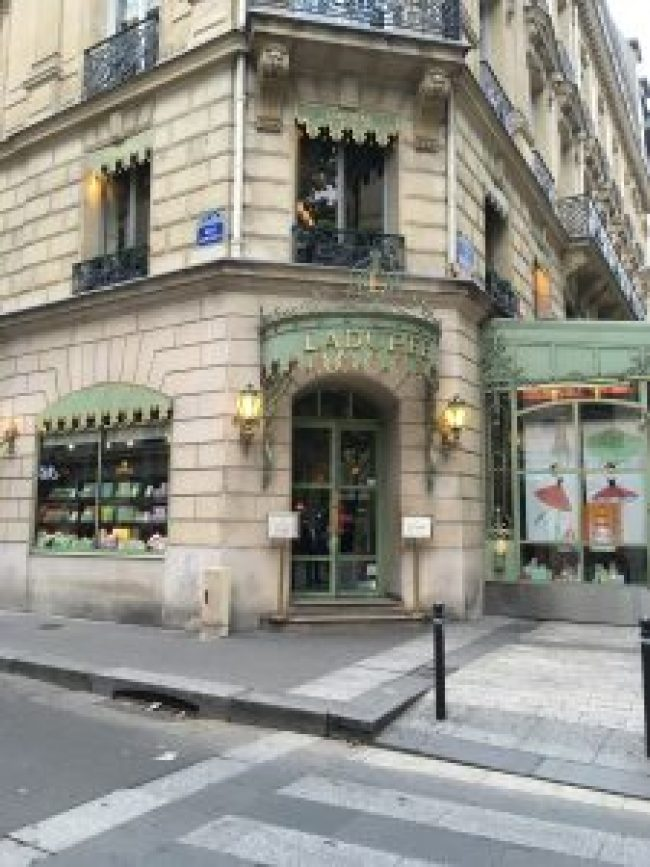Laduree Champs Elysees Paris