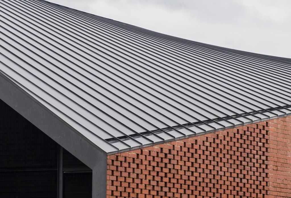 Standing Seam Metal Cladding Amp Roofing Provides A Simply