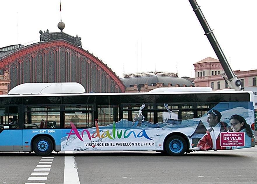 Diseño de acciones promocionales para Fitur 2011 de Turismo Andaluz de Bassta&Ogilvy. Estudio Aclararte.