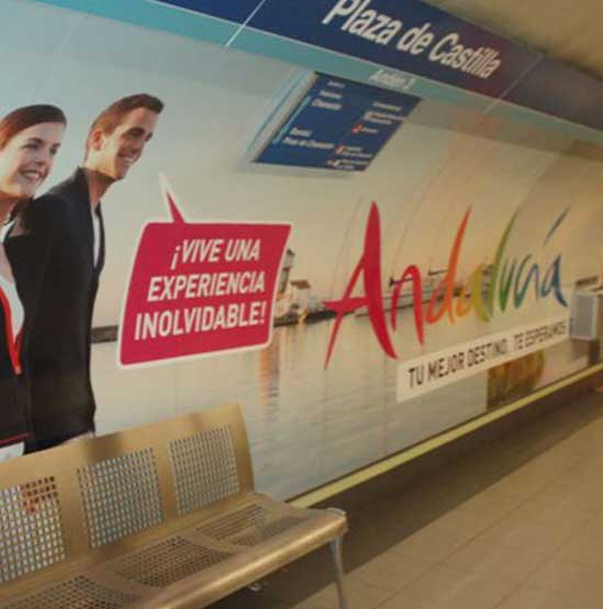 Publicidad en el metro. Estudio Aclararte