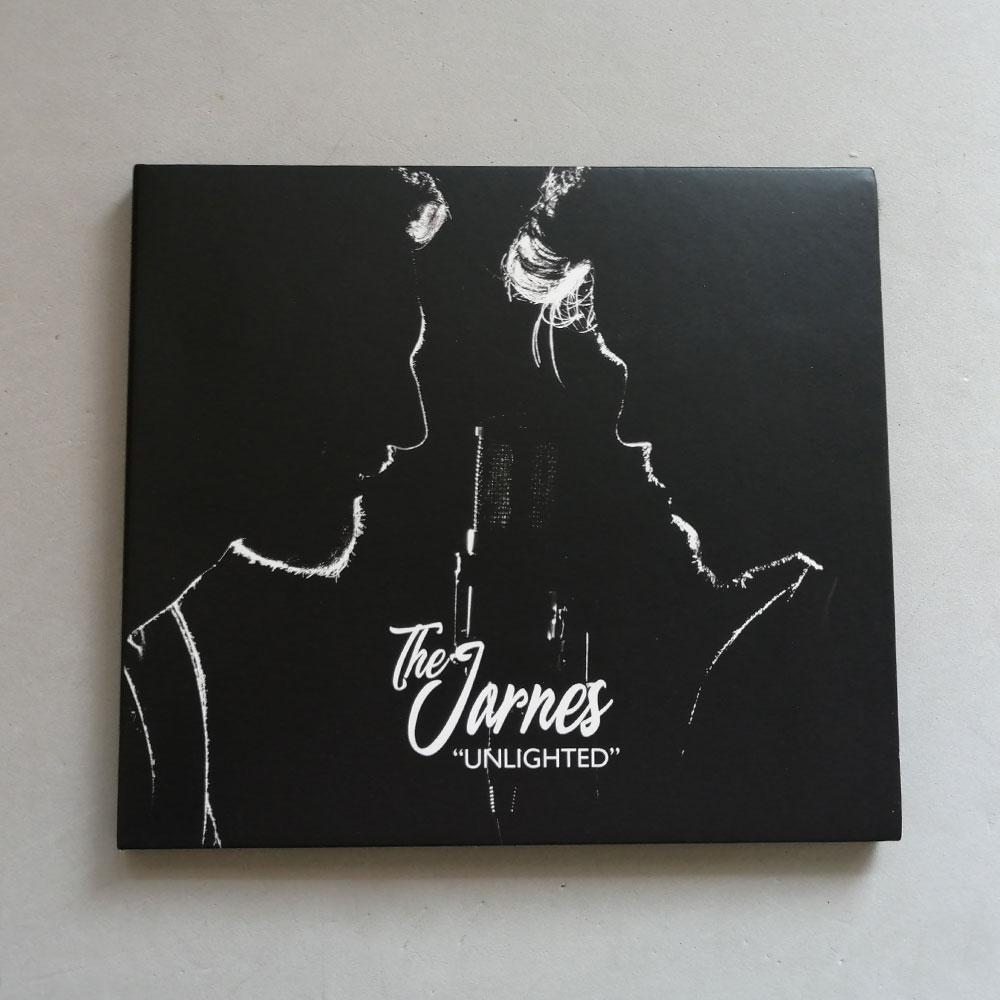 """Diseño de la carátula de CD y libreto de letras del disco de """"The Jarnes"""". Estudio Aclararte."""