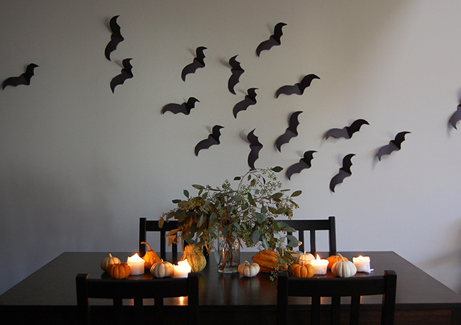 minimalist halloween decor and halloween tablescape