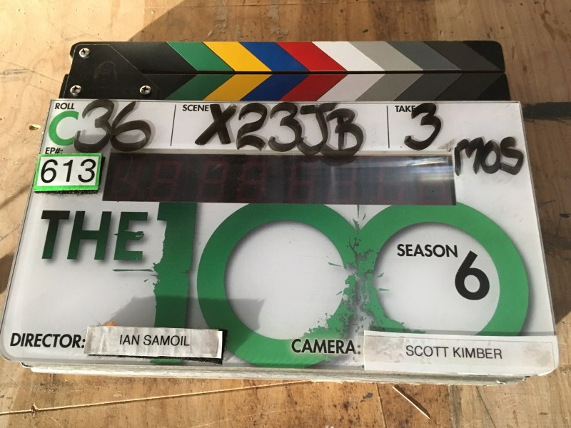 The slate on season six of 'The 100' - PHOTO Scott Kimber