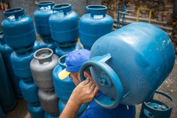 Mesmo com redução da Petrobras, preço do gás de cozinha não baixa do Acre