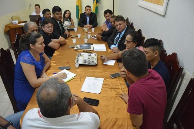 Tarauacá: câmara, prefeitura e iteracre discutem regularização fundiária do bairro corcovado