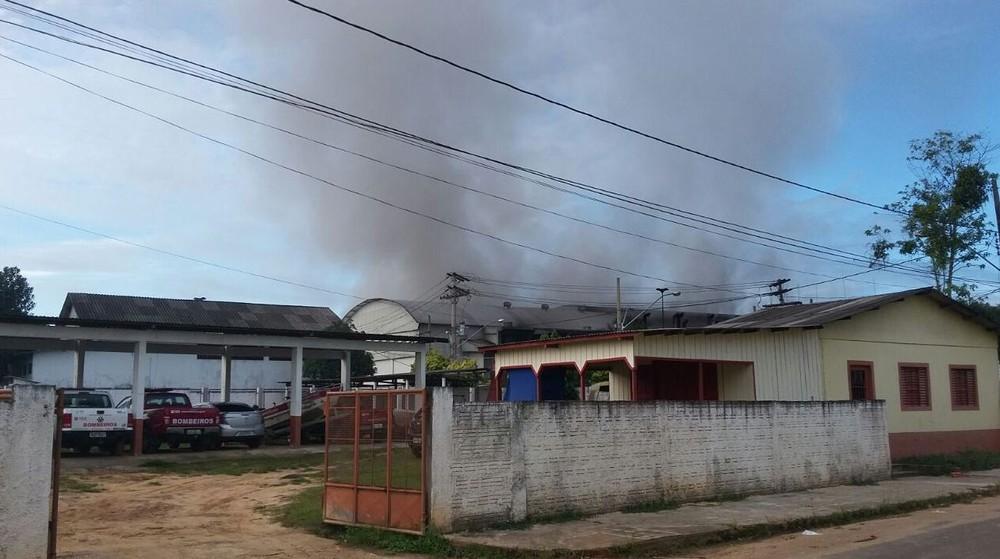 Princípio de incêndio atinge geradora de energia e deixa três municípios do Acre e um do Amazonas sem energia