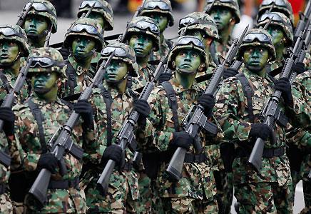 Forças Armadas fazem operação no Complexo do Lins, no Rio