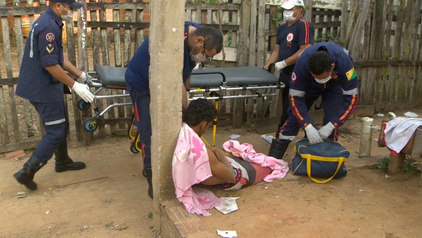 Homem é ferido com facada no peito enquanto saia para trabalhar, na Vila Acre