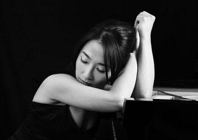 Azumi Nishizawa, piano