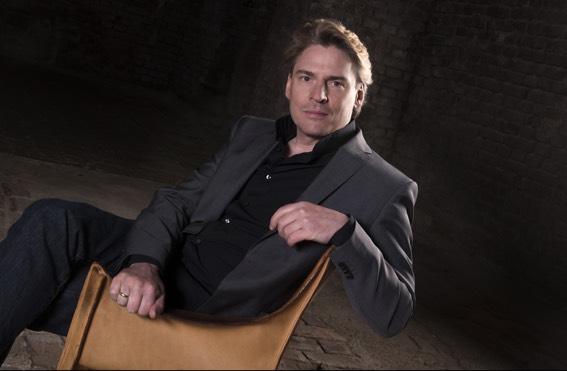 Paul Armin Edelmann, barítono