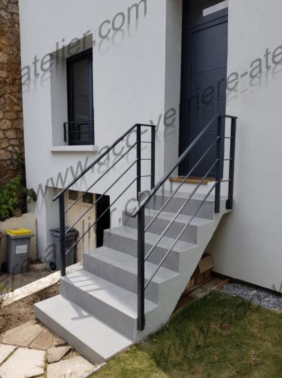 Garde corps en acier d'un escalier exterieur