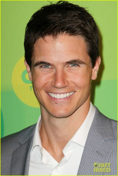 Robbie Amell at the 2014 CW Upfronts photo cred: Just Jared.com