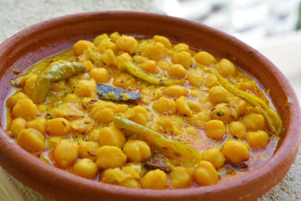 Himachali_Chana_MadraChickpeas_in_yogurt_based_gravy.jpg