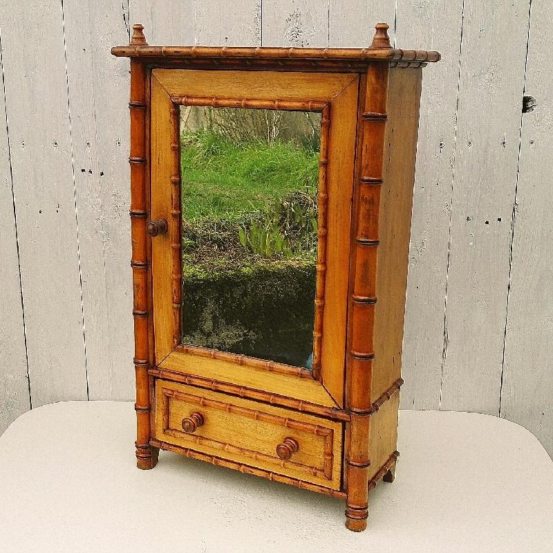 armoire de poupee modele bambou bois verni vintage