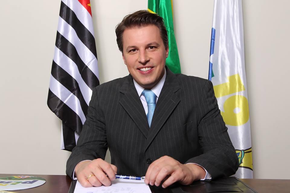 Prefeito de Itapevi pede na Justiça Federal o adiamento do ENEM