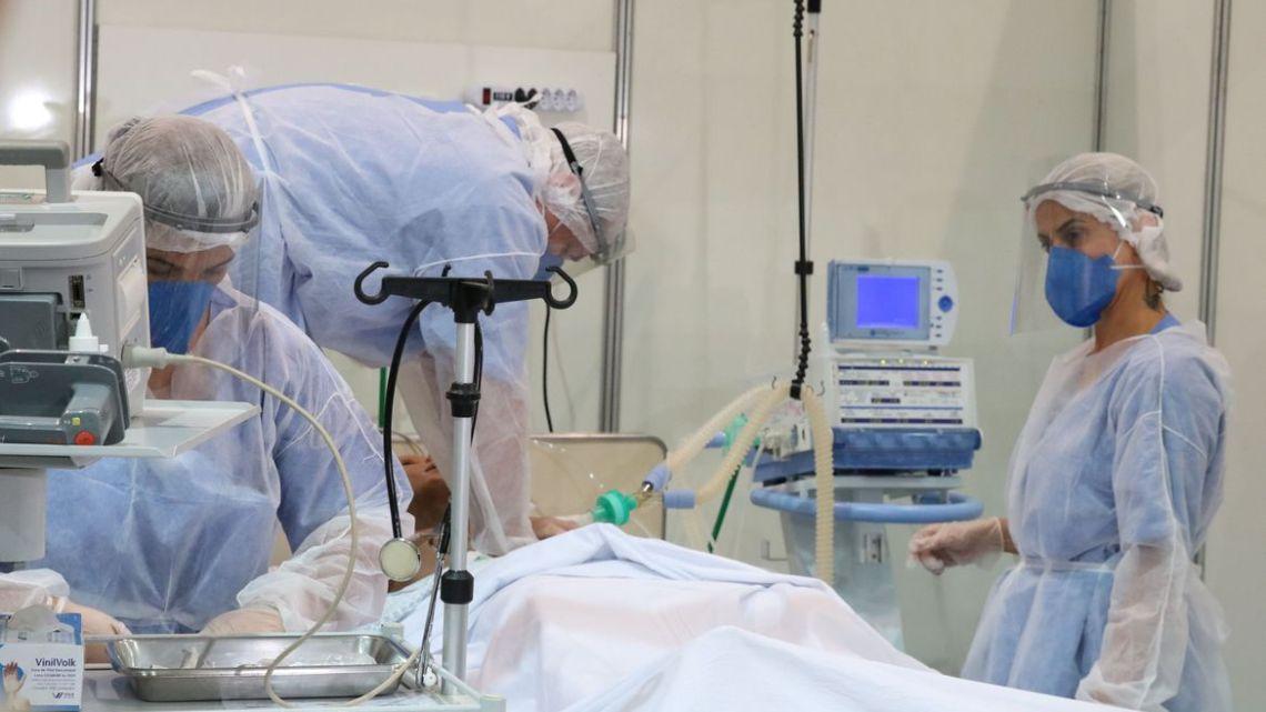 Covas fecha parceria com 11 hospitais privados para alugar leitos