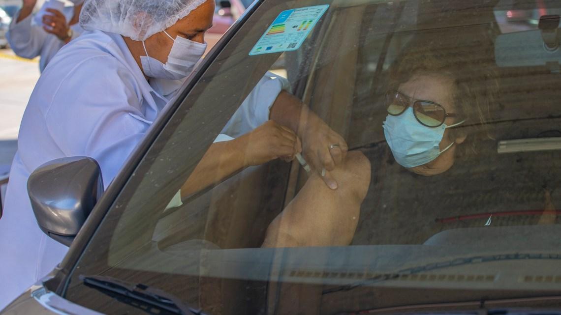 Secretaria de Saúde realiza dois dias de drive-thru de vacinação contra a gripe, nesta semana