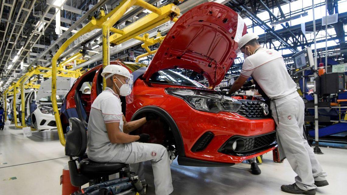 Atividade econômica tem queda recorde de 9,73% em abril