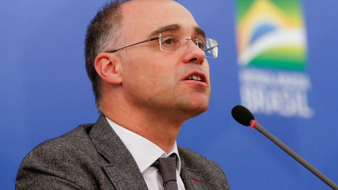 Ministro pede abertura de inquérito para apurar ofensa a Bolsonaro