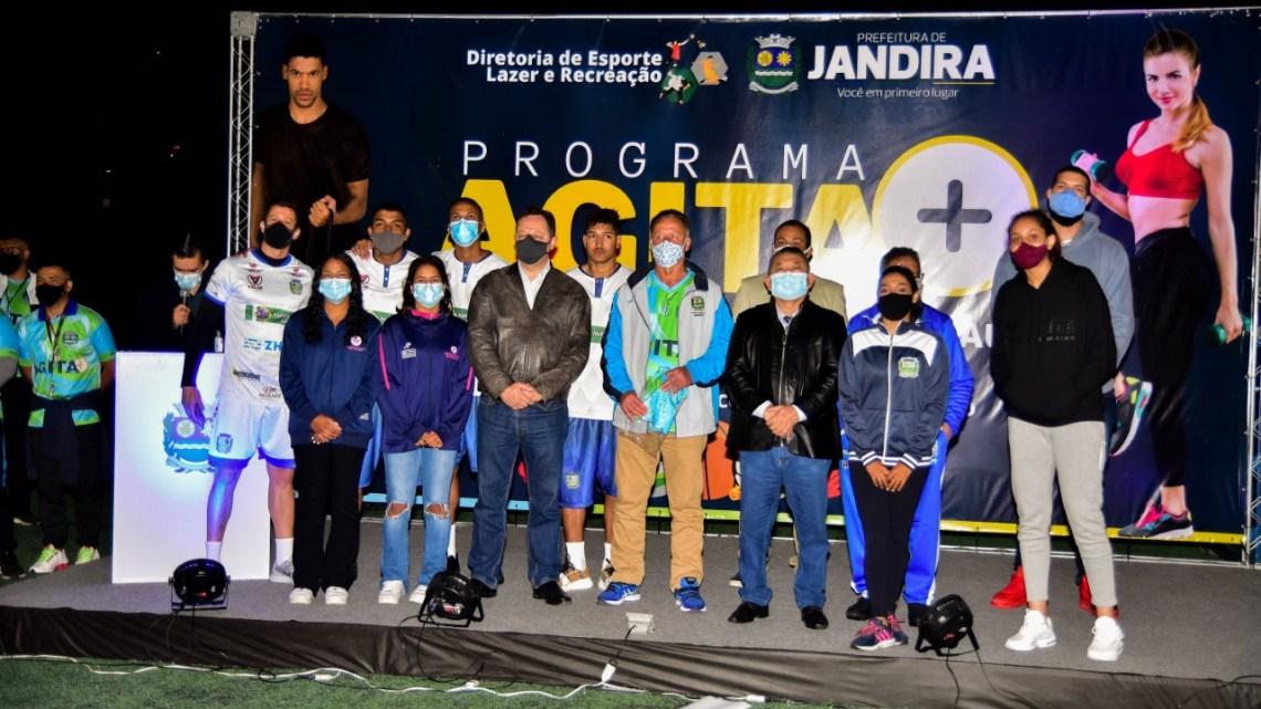 Diretoria de Esporte e Lazer de Jandira realiza evento para divulgação do programa AGITA +